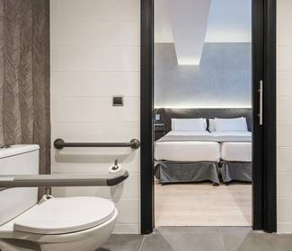 Chambre accessible hotel ilunion bel art barcelone