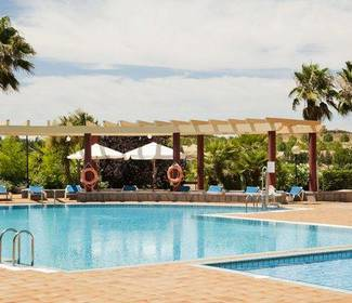 Piscine hotel ilunion golf badajoz