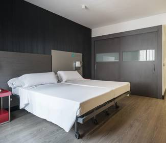Chambre accessible hotel ilunion suites madrid
